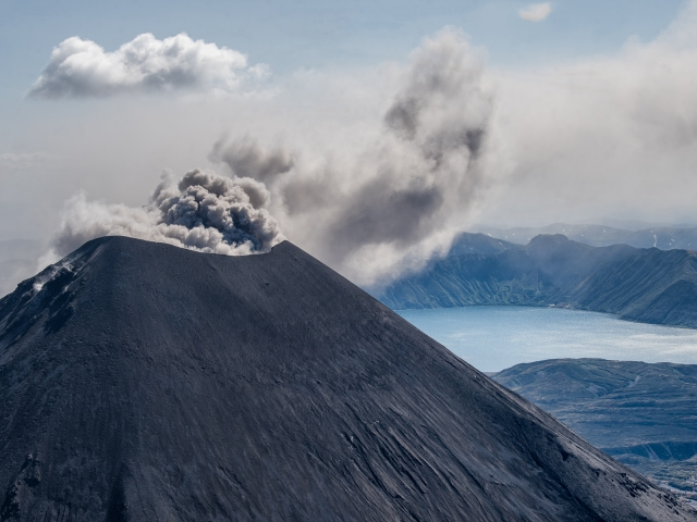 Kamchatka landscape by Katti Borre